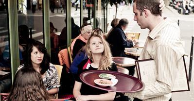 7 lỗi của nhân viên phục vụ khiến Nhà hàng mất điểm với khách