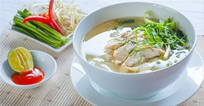 Bí quyết nấu phở gà Hà Nội ngon quên sầu, ăn là ghiền