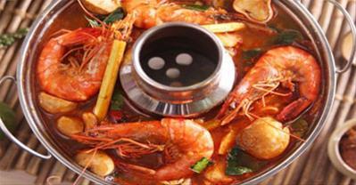 Cách làm lẩu Thái chua cay ngon đúng điệu