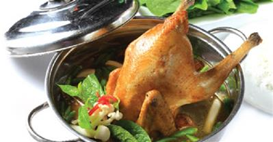 Cách nấu gà tiềm ớt hiểm thơm thơm, cay cay 30p là xong