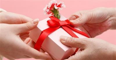 Cách tặng quà sinh nhật cho chị gái tuổi nào cũng thích mê