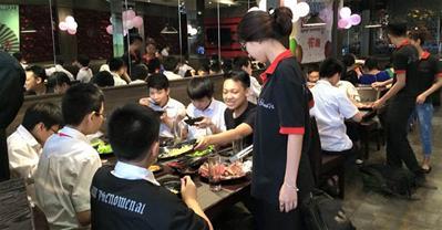 Cận cảnh menu buffet lắm món của nhà hàng Mishagi