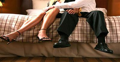 Dấu hiệu chồng ngoại tình phụ nữ nên biết