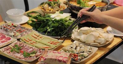 Đi càng đông, giá càng rẻ, ăn hải sản tẹt ga tại Tadifar