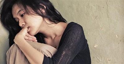 Hối hận cả đời - Người vợ gục bên mâm cơm đợi chồng