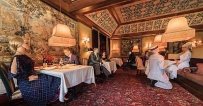 Kỳ lạ nhà hàng 3 sao Michelin dùng Ma-nơ-canh lấp đầy chỗ trống