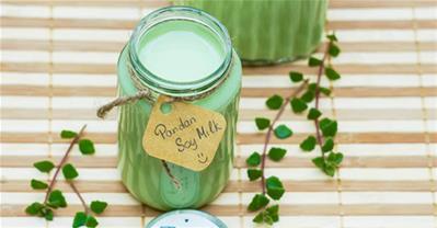 Mách bạn cách làm sữa đậu nành lá dứa thơm lừng tại nhà