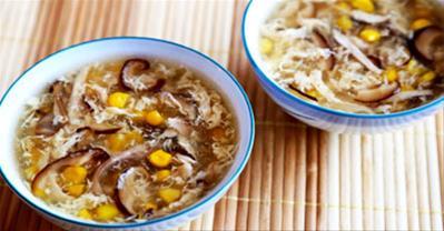 Mách bạn cách nấu súp gà nấm hương ngon tuyệt