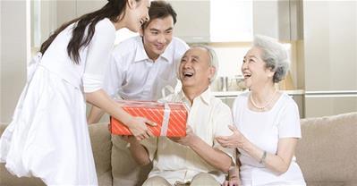 Những món quà sinh nhật cho Bố đầy ý nghĩa thay lời nói yêu thương