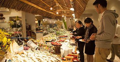 Soi menu của nhà hàng hải sản L'annam Buffet ở Hà Nội