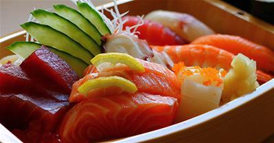 """Theo chân đầu bếp """"cao tay"""" học cách ăn sashimi chuẩn"""