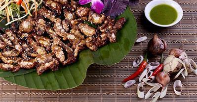 Top 10 quán ăn trưa ngon, nổi tiếng nhất ở Hà Nội