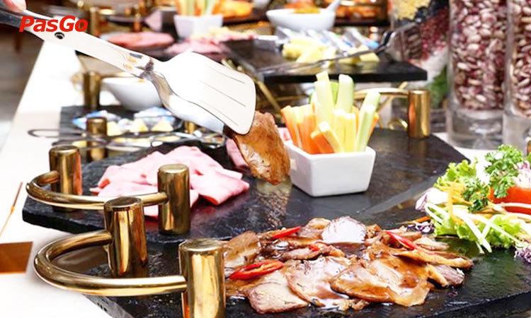 buffet-sen-viet-684-minh-khai-khong-gian-1
