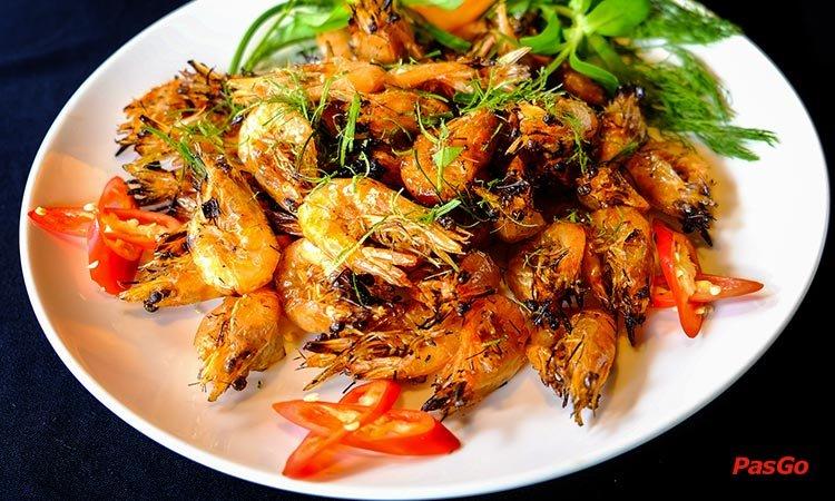 nha-hang-dai-lam-moc-le-van-luong-1
