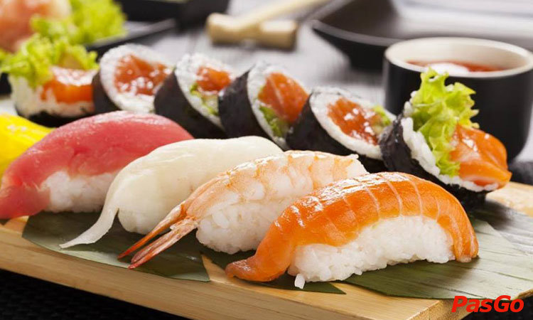 nha-hang-doki-doki-sushi-club-nguyen-hoang-1