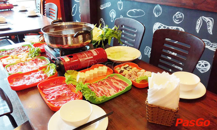 nha-hang-family-steak-house-van-cao-slide-1