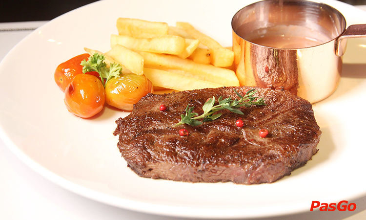 nha-hang-fumo-steak-&-pasta-hai-ba-trung-quan-1-1