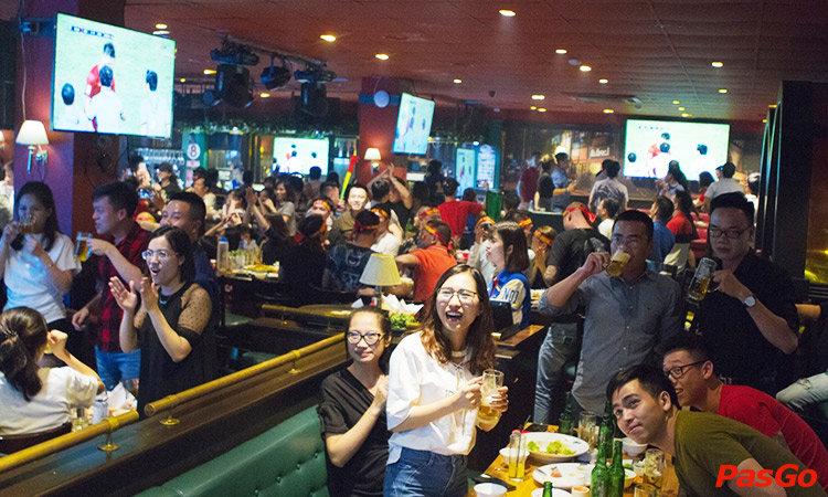 nha-hang-new-york-sports-bar-ba-trieu-1
