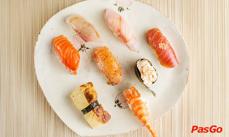 nha-hang-okome-sushi-bar-nguyen-dinh-chieu-1
