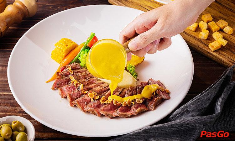 nha-hang-paradise-steak-truong-cong-giai-1