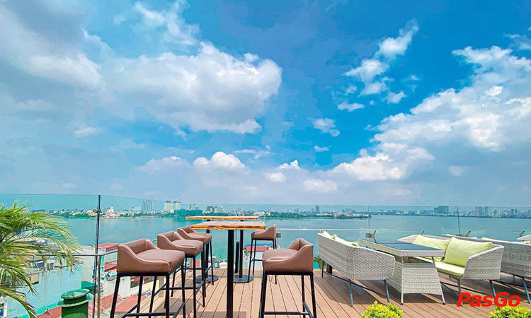parosand-sky-bar-restaurant-lac-long-quan-1