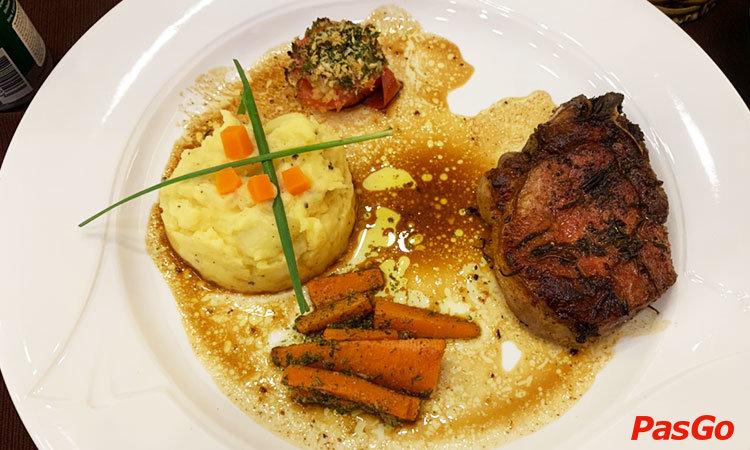 roly-restaurant-le-loi-1