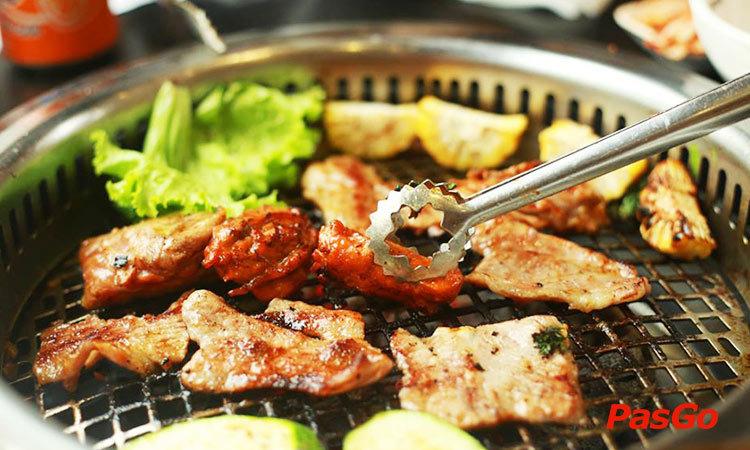 nha-hang-seoul-garden-vincom-ba-trieu-slide-1