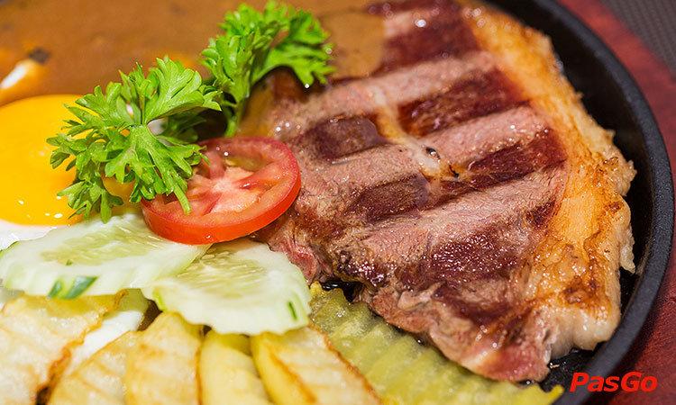 nha-hang-steak-way-mipec-long-bien-1