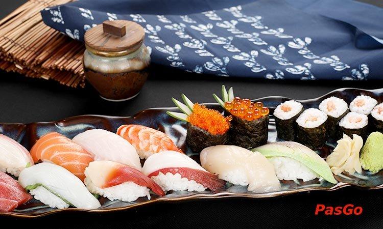 nha-hang-sushi-kei-van-hanh-mall-1