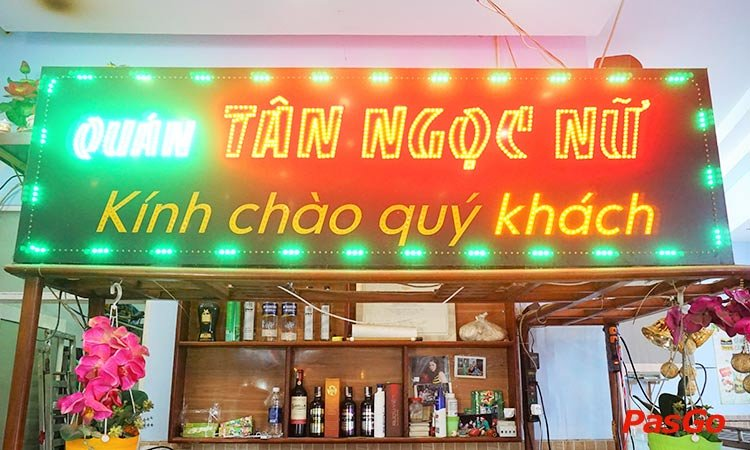 nha-hang-tan-ngoc-nu-thang-long-1