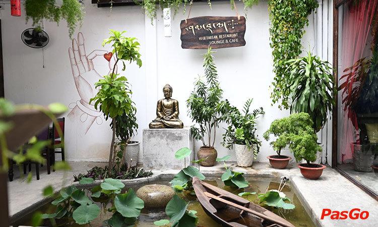 shamballa-vegetarian-restaurant-lounge-cafe-ly-tu-trong-1