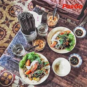 Tiệm Cơm Cafe Hoa Giấy
