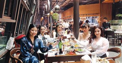 Những nhà hàng ngon, không gian đẹp phù hợp đặt tiệc 2/9 ở Hà Nội