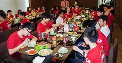 Top nhà hàng tổ chức liên hoan cuối năm học ngon, rẻ, đẹp ở Hà Nội