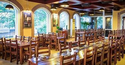 Top nhà hàng tổ chức tiệc công ty rộng đẹp, giá khoảng 300k ở Hà Nội